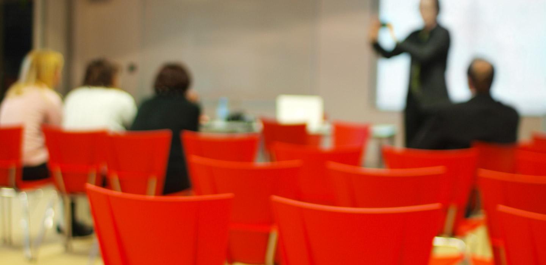 Header notre gouvernance : salle de réunion