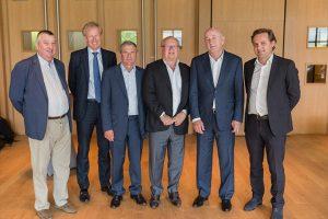 Le Conseil d'Administration de BAA, (de gauche a? droite) Erik Farlegni, Eric du Teilleul, Didier Ferre?, Roland Beaumanoir (pre?sident de BAA), Christian Roulleau, Jean-Baptiste Gouin